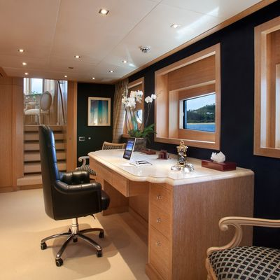 Sunrise Yacht Office
