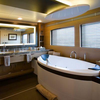 Namaste 8 Yacht Master Bathroom