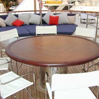 RH3 Yacht Exterior Dining