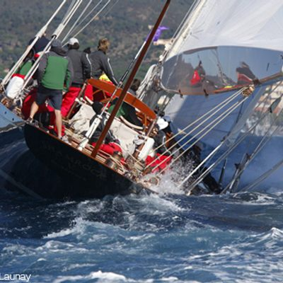 Shamrock V Yacht Racing