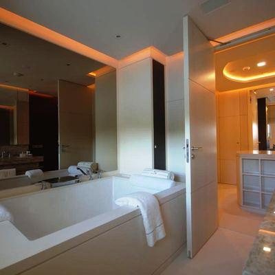 Siren Yacht Master Bathroom