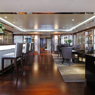 Seanna Yacht Bar