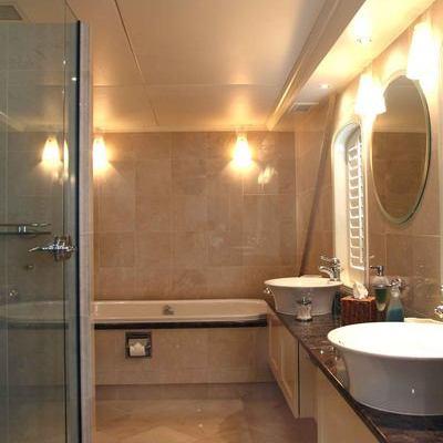 Asteria Yacht Master Bathroom