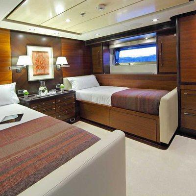 Prana Yacht Twin stateroom