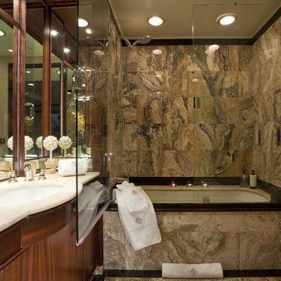 Golden Compass Yacht Master Bathroom - Hers