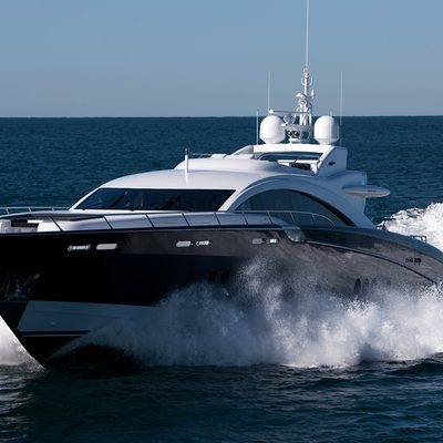 Quantum Yacht Running Shot - Front View