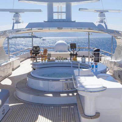 Lady Ellen II Yacht Jacuzzi & Bar