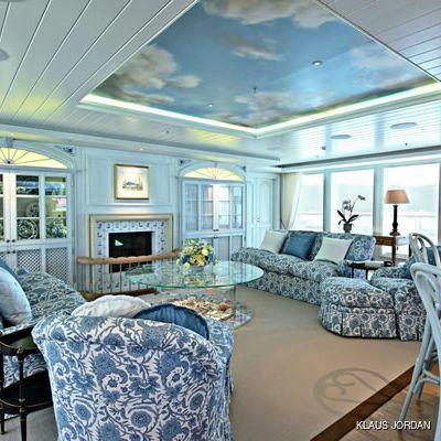 Bella Vita Yacht Salon