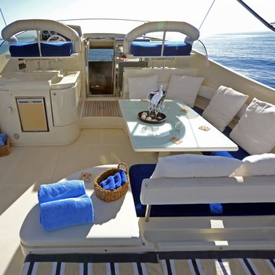 Piacere Yacht