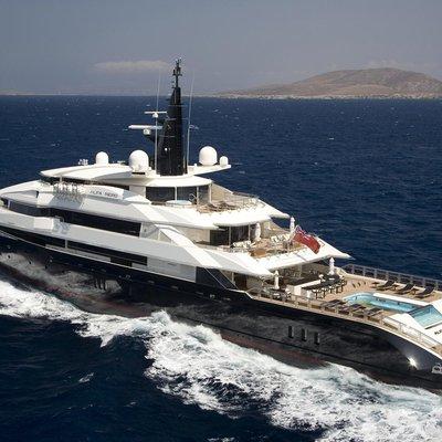 Alfa Nero Yacht Running Shot - Aft View