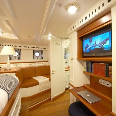 Germania Nova Yacht Master Cabin - Screen