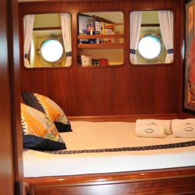 Ofelia Yacht Double Stateroom - Shanghai