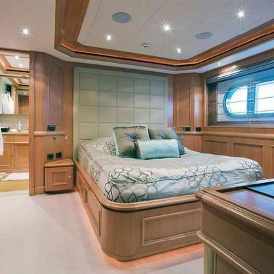 Hana Yacht