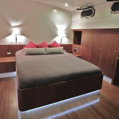 Ubi Bene Yacht Guest Stateroom - Bed