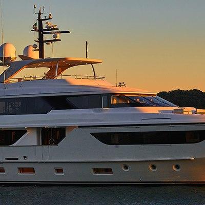 Takara Yacht