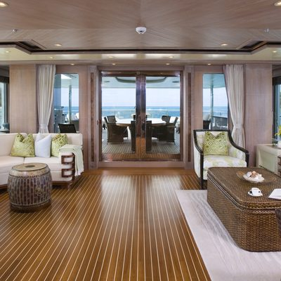 Perle Bleue Yacht Skylounge - AFt View