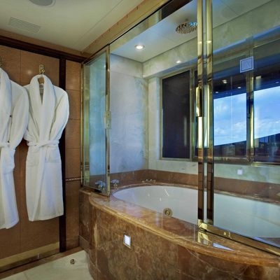Jaguar Yacht Guest Bathroom