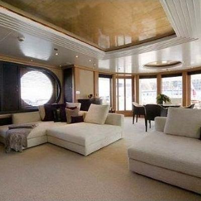 Mercury Yacht Skylounge - Day