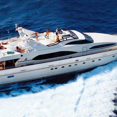Happy Spirit Yacht Running Shot