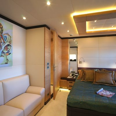 Tatiana Yacht Green Stateroom - Seating