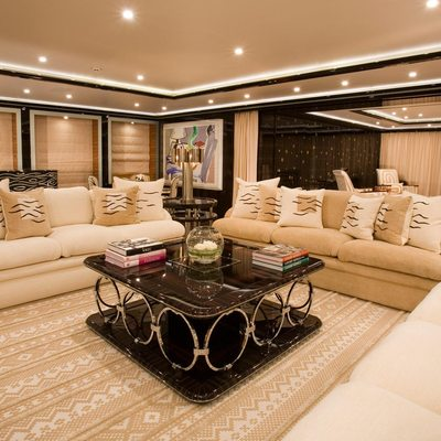 Alfa Nero Yacht Salon - Night