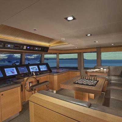 Big Fish Yacht Bridge & Seating