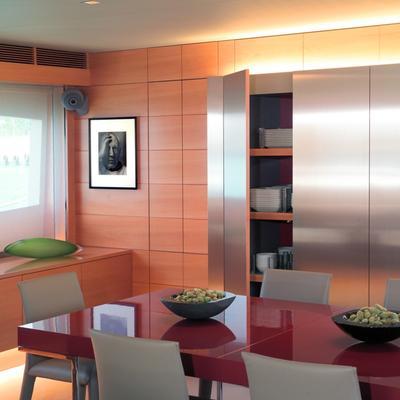 Phoenix Yacht Dining Salon