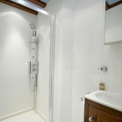 Matina Yacht Bathroom