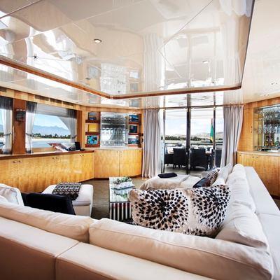 Komokwa Yacht