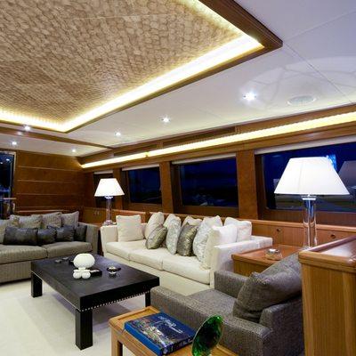 Daima Yacht Saloon - Seating