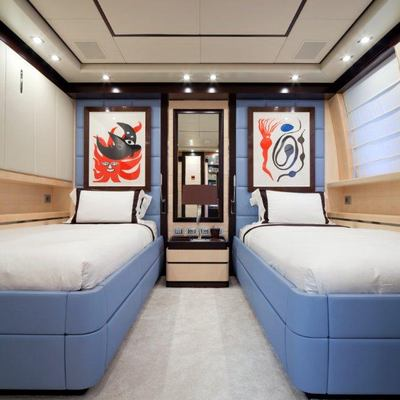 Lisa IV Yacht Blue Twin Stateroom