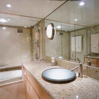 Seacall Yacht Master Bathroom