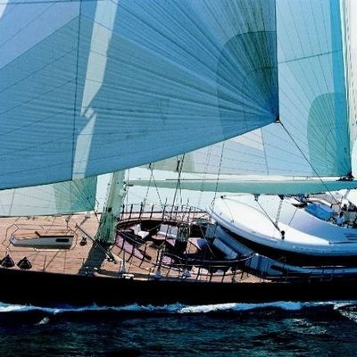 Luna Yacht Sailing