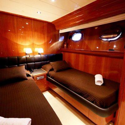 Jurik Yacht