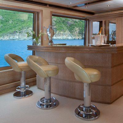 Sunrise Yacht Sky Lounge Bar