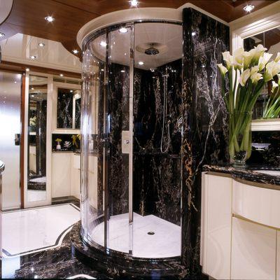 Bunker Yacht Master Bathroom