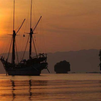 Silolona Yacht Sunset