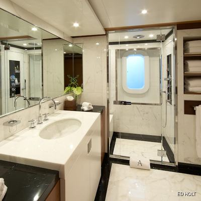 Mimi Yacht Bathroom