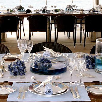 Elegant 007 Yacht Detail - Set Table