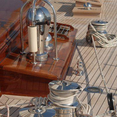 Gweilo Yacht Deck - Detail