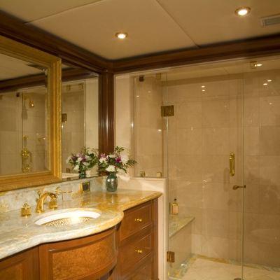 Aquasition Yacht Guest bathroom