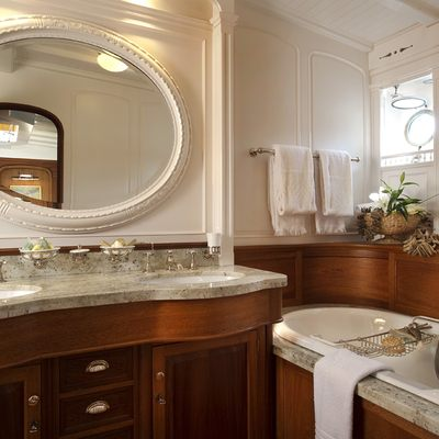 Atlantic Yacht Bathroom
