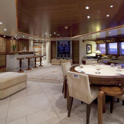 Sarah Yacht Vista lounge