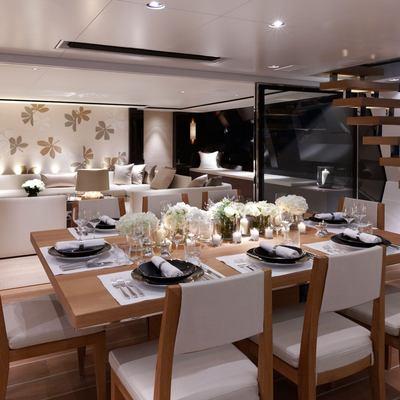 Twizzle Yacht Main Cockpit Dining