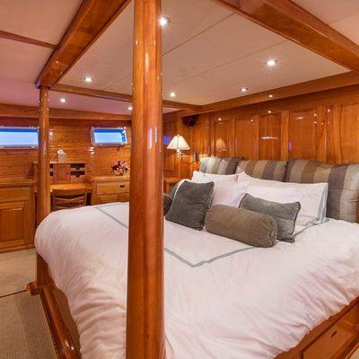 Tumblehome Yacht