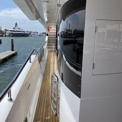Sedative Yacht