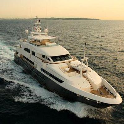 Lady Leila Yacht Running