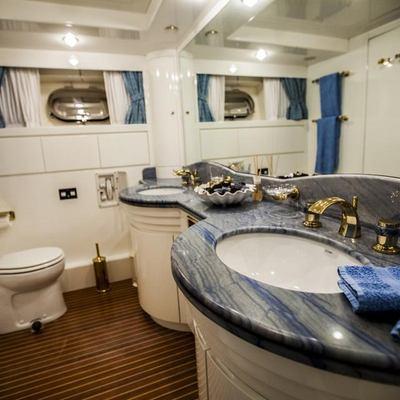 Venus Vistoria Yacht