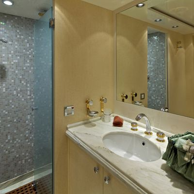 Mia Rama Yacht Twin Bathroom