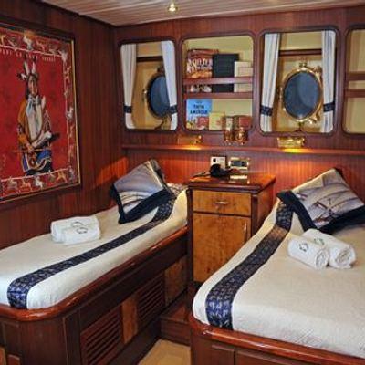 Ofelia Yacht Twin Stateroom - Newport